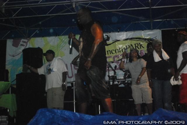 Blaq Poet performing @ RSC 32 show w/DJ Premier